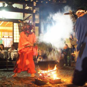 『 湯しぶき浴びて無病息災 』9月24日(月祝)夜20時より、土岐市・八幡神社境内にて湯立神事・巫女神楽が行われます。