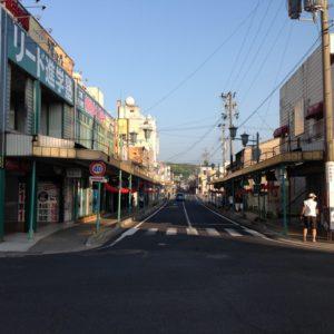 JR土岐市駅周辺にあるバー『柔』『RESTO』と駅から徒歩3分の場所にある『Baroque(バロック)』さんに立ち寄ってきました。駅周辺3店舗目のバーで店内もオシャレな内装、インテリア、ファニチャーでした。