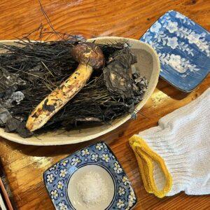キノコ三昧!秋の味覚「キノコ料理」を堪能!土岐市鶴里町にある季節料理みくに茶屋さんで天然のキノコ料理&鮎雑炊を食べてきました。素材本来の味を活かした料理はどれも美味。
